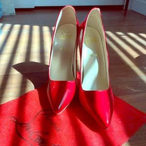 Size 41, chili red 4inch heel fits like a 10